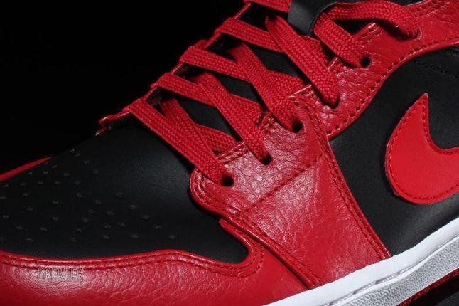 Air Jordan 1 Mid Fire Red 2