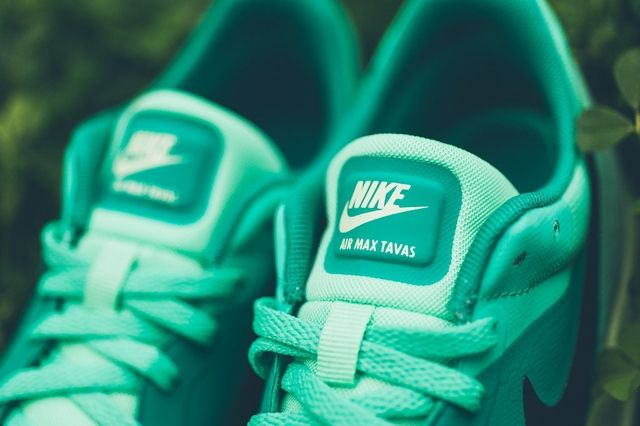 Nike Air Max Tavas Green Glow 2
