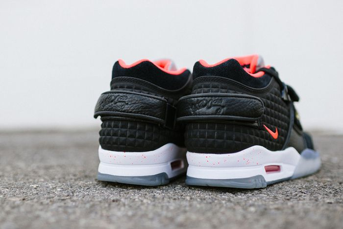 Nike Air Trainer Cruz Blackbright Crimson5