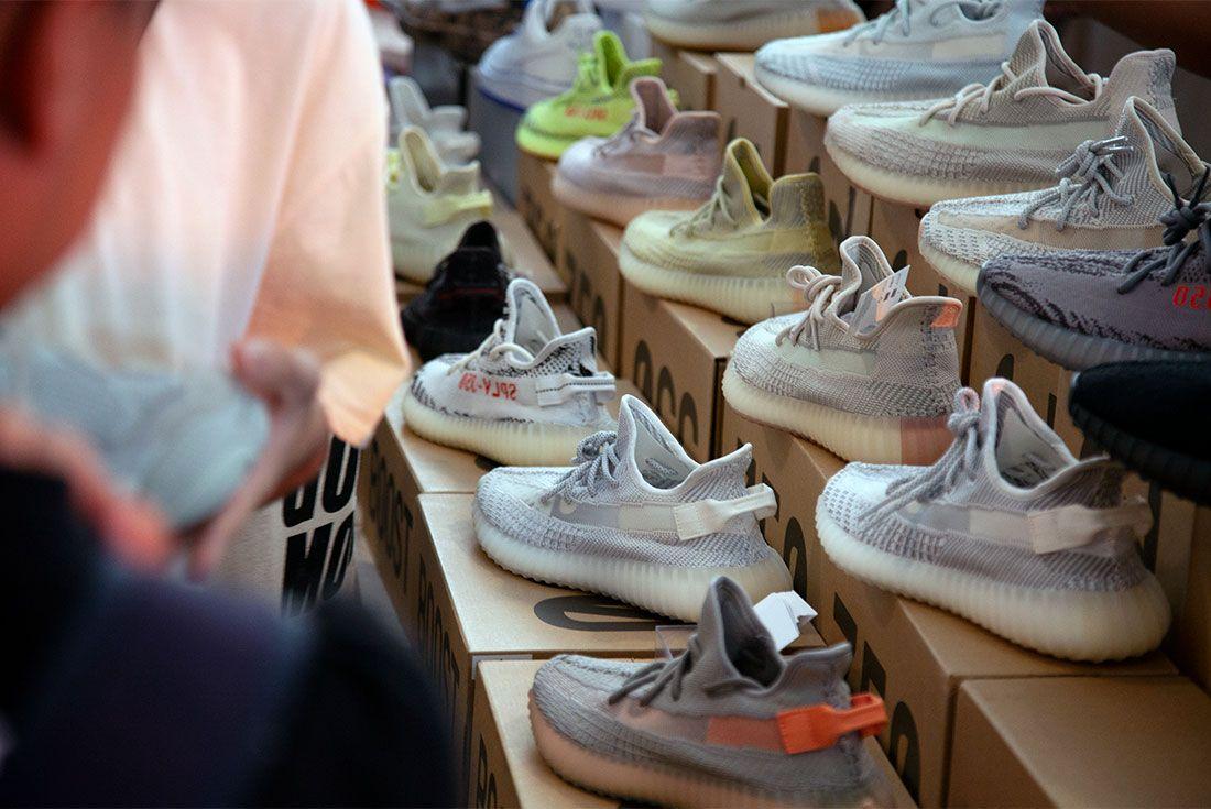 Street Superior Adidas Yeezy 3