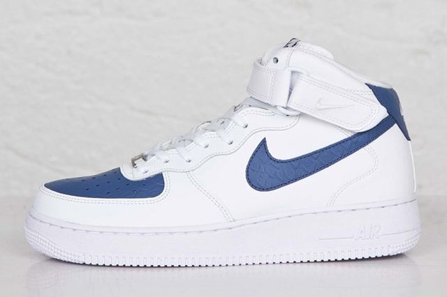 Nike Af1 Mid 07 White Blue Legend 4