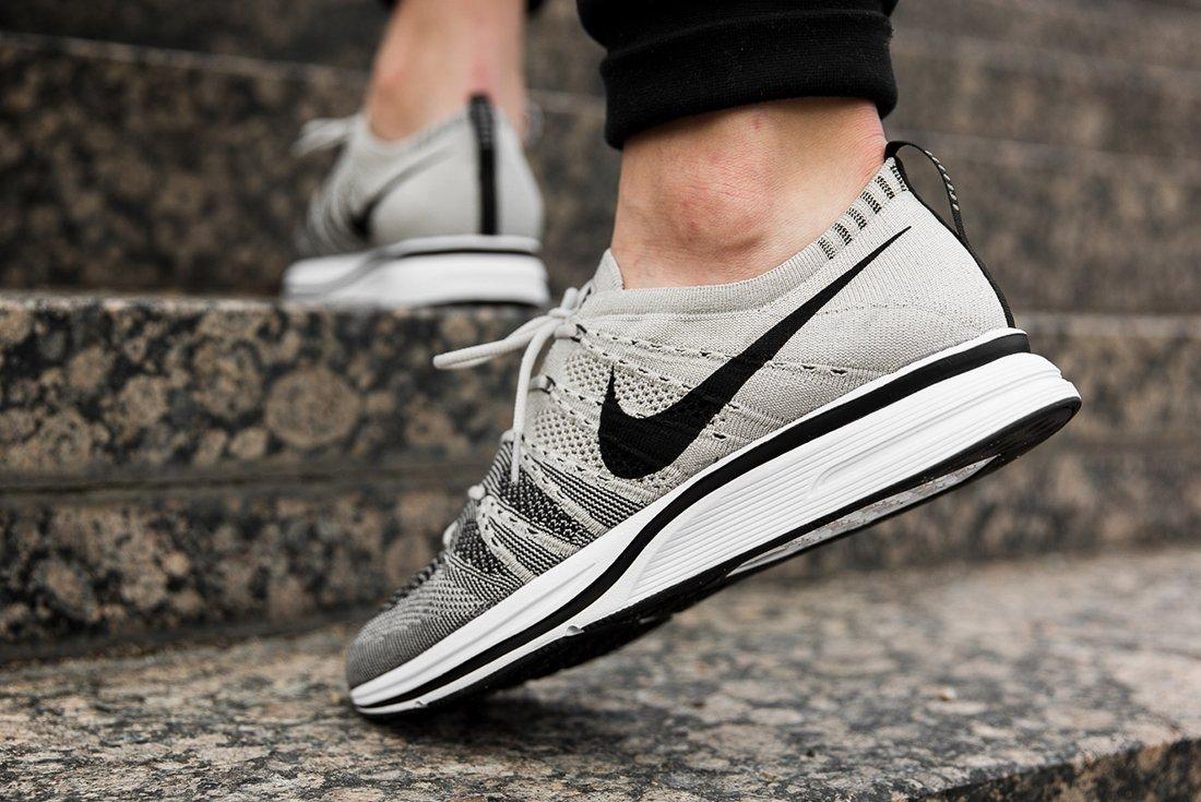 Nike Flyknit Treainer Pale Grey 1