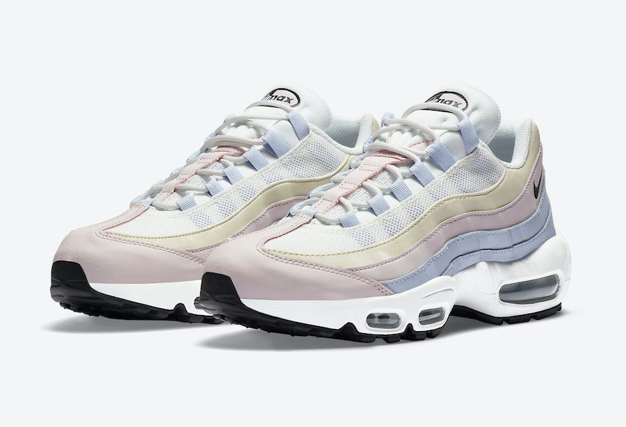 Nike Air Max 95 Ghost Angled