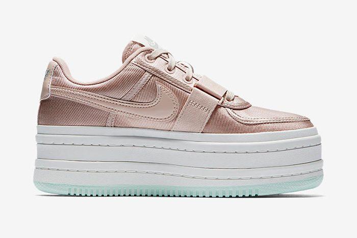Ao2868 200 C Prem Sneaker Freaker