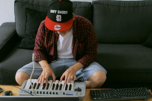 Suff Daddy New Era Red Black And Keys 1