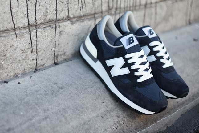New Balance 990 Navy Front Detail 1