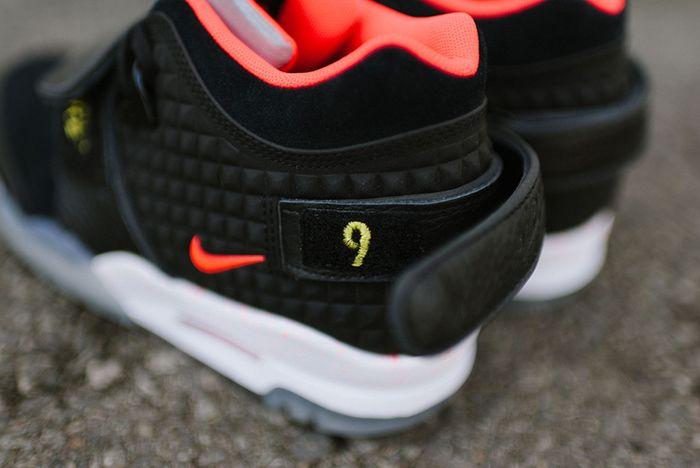 Nike Air Trainer Cruz Blackbright Crimson8