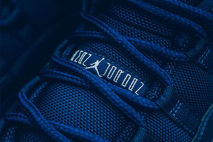 Air Jordan 11 Low Midnight Navy 2