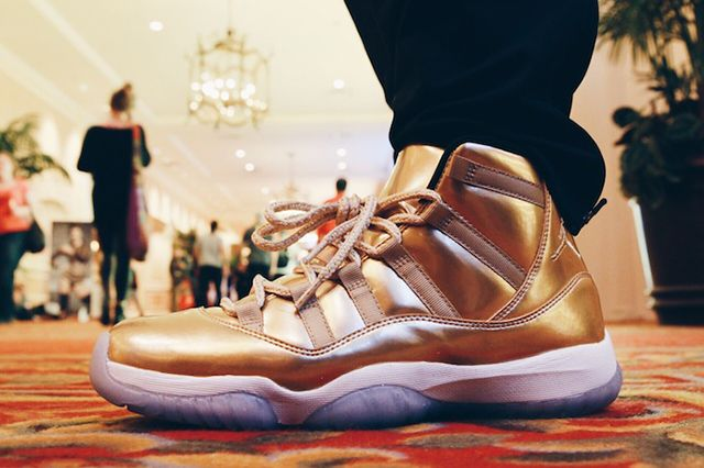 Air Jordan 11 Metallic Gold 4