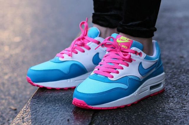 Nike Air Max 1 Clear Water Pink Power 3
