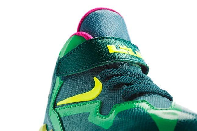 Nike Lebron 11 Kids T Rex 7