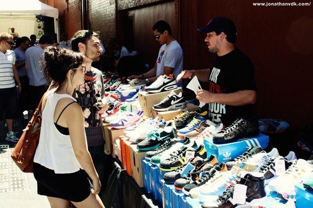 Sneaker Table 2 1