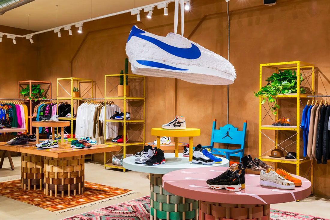 Los Angeles Sneakersnstuff Header