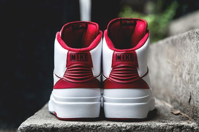 Air Jordan 2 Retro Red White Bump 3