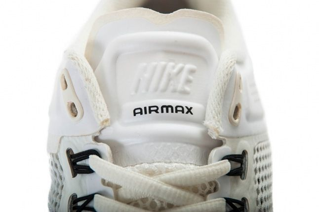 Nike Air Max 2013 Summit White Tongue 1