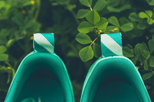 Nike Air Max Tavas Green Glow 1