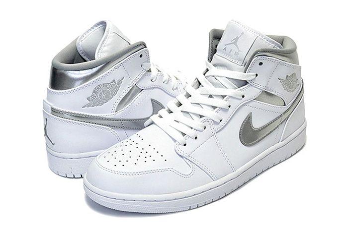 Air Jordan 1 Mid Pure Money3