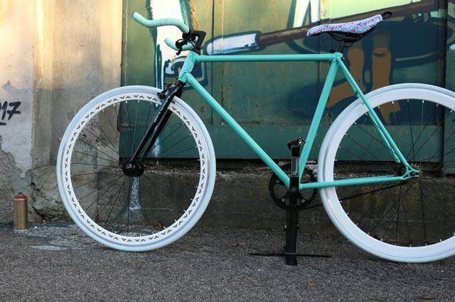 Crazy Custom Sharkbait Sf Bike 5