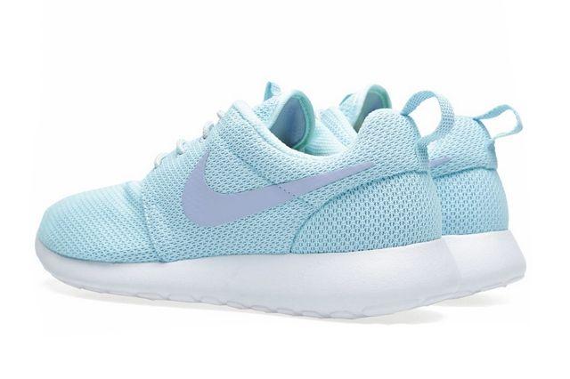 Nike Rosherun Glacier Ice Purple 1