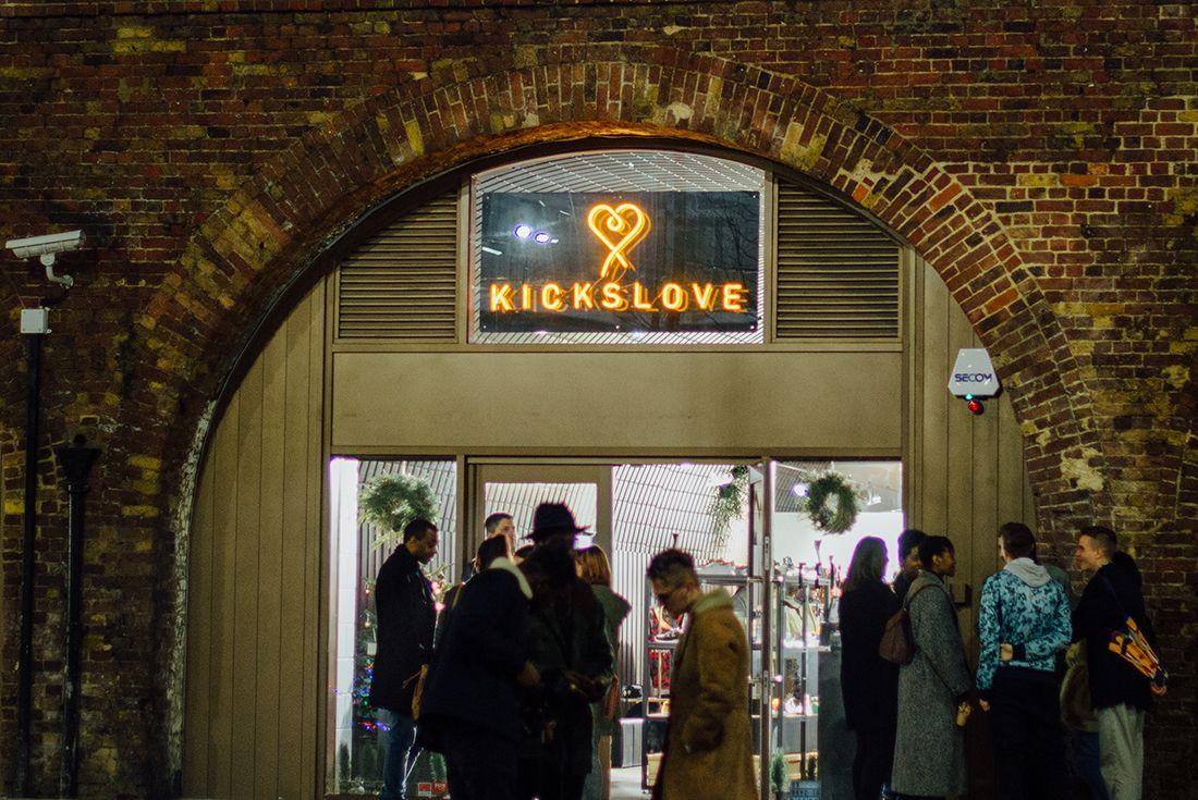 Kicks Love 15