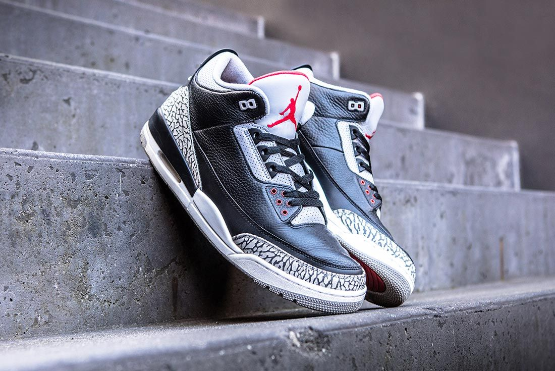 Air Jordan Black Cement 3 Lateral Side Shot