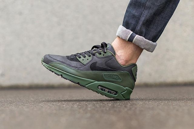 Nike Air Max 90 Winter Black Carbon Green 1
