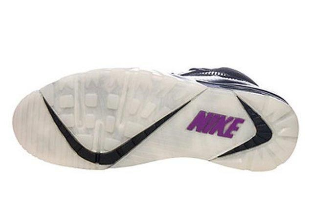 Another Nike Air Trainer Raiders Colorway 04 620X413