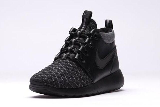 Nike Roshe One Mid Black 31
