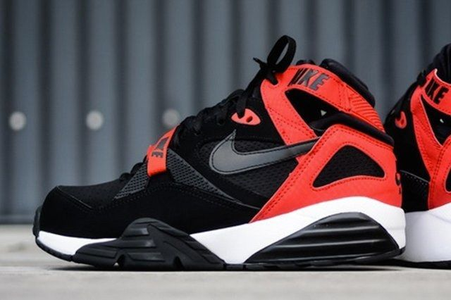 Nike Air Trainer Max 91 Black University Red 1 700X357