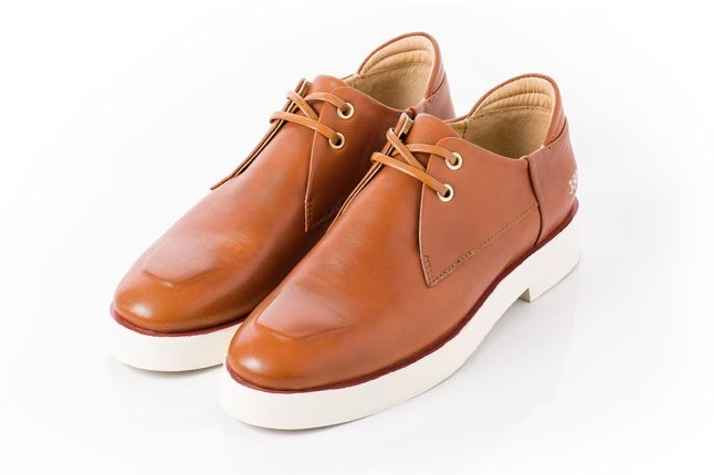 380G Carin Wester Brown Leather Angle 1