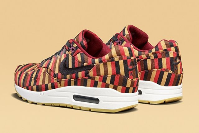 Nike X Roundel By London Underground Air Max Collection 4