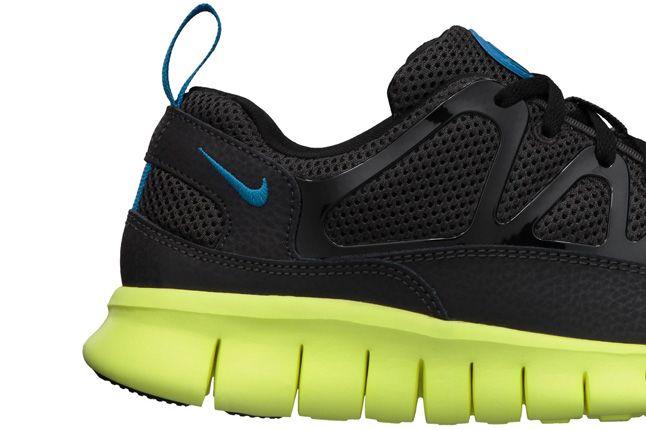 Nike Free Huarache Light Electric Blue Volt Heel 1