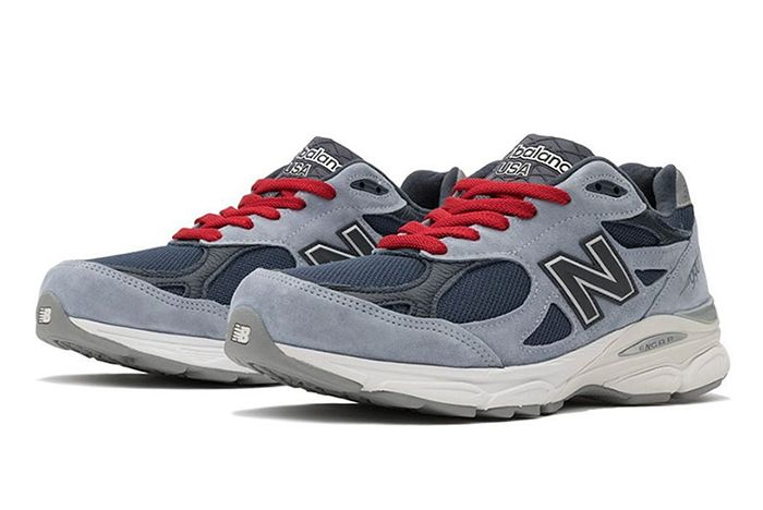 No Vacancy Inn New Balance 990 V3 Three Quarter Angle Shot
