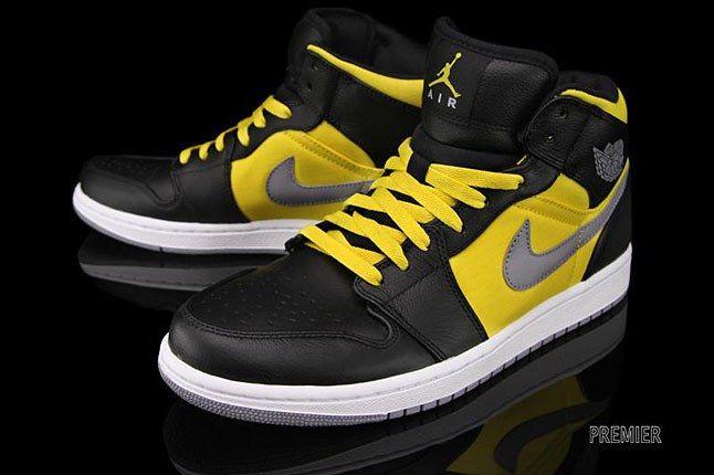 Nike Jordan Black Yellow 1