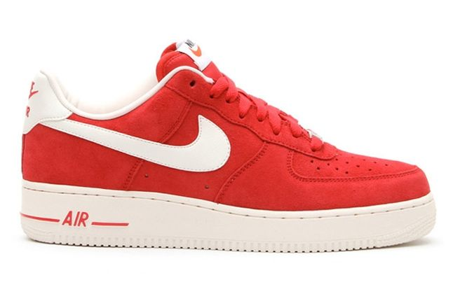 Nike Air Force 1 Low Suede Red Profile 1