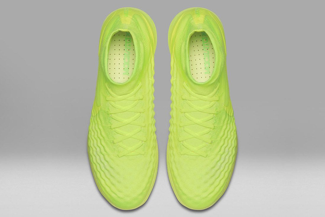 Nike Floodlights Glow Pack Magistax Yellow 1