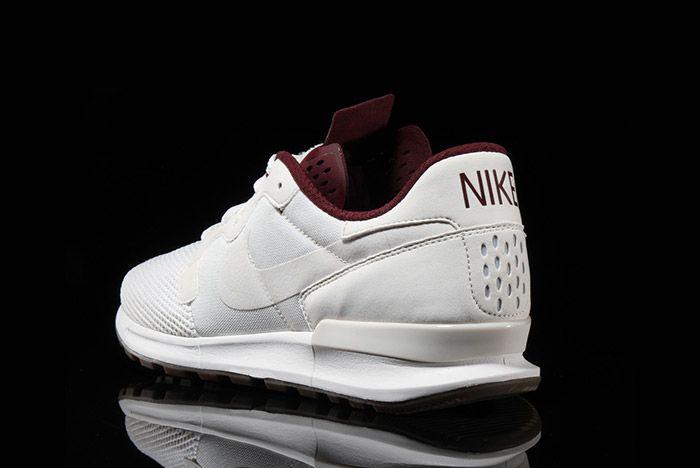 Nike Air Berwuda Premium White Maroon 3