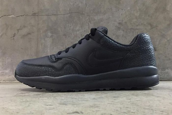 Nike Air Safari Qs 2018 Retro Sneaker Freaker 5