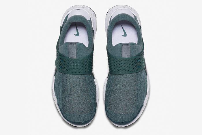 Nike Sock Dart 4