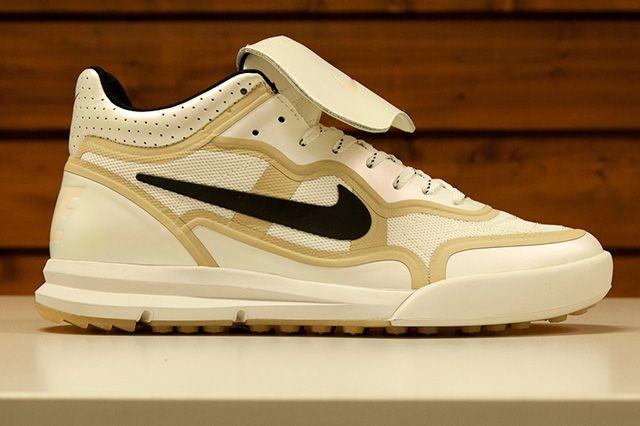 Nike Sportswear Gold Trophy Pack 8