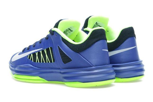 Nike Hyperdunk Low Hyperblue Elecgreen Heel Profile 1