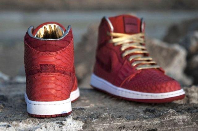 Air Jordan 1 Red Python 4