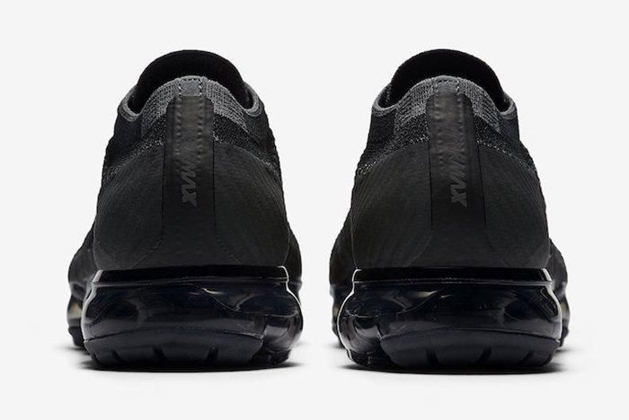 Nike Air Vapormax Triple Black 5