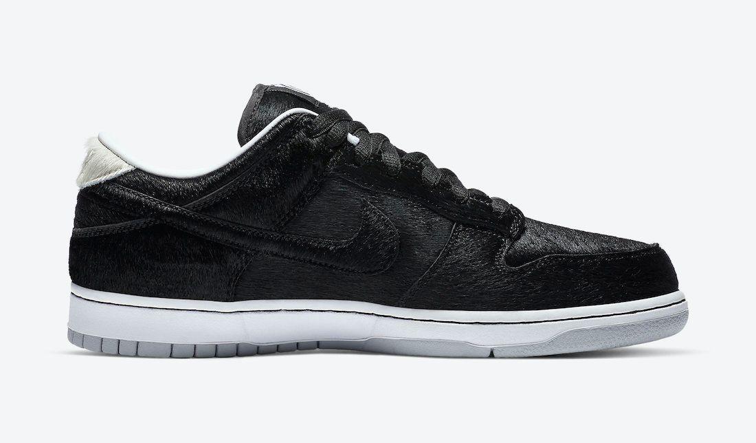 Medicom Nike SB Dunk Low Bearbrick Right