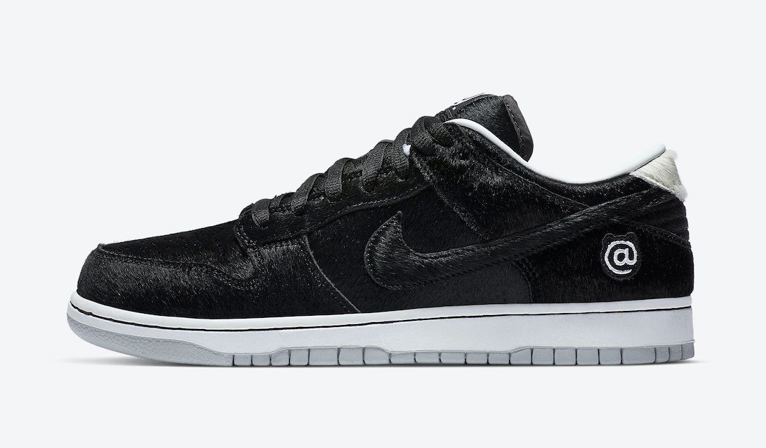 Medicom Nike SB Dunk Low Bearbrick Left