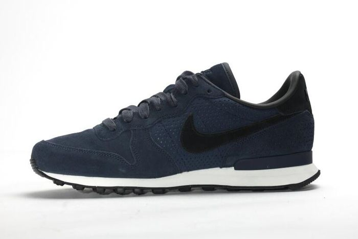 Nike Internationalist Lx Dark Obsidian 6