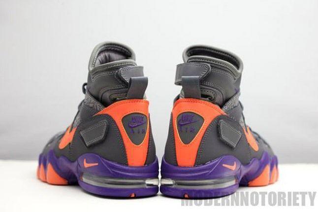 Nike Air Strong 2 Phoenix Pair Heel 1