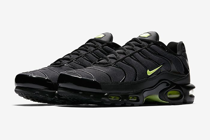 Nike Air Max Plus Night Ops 1