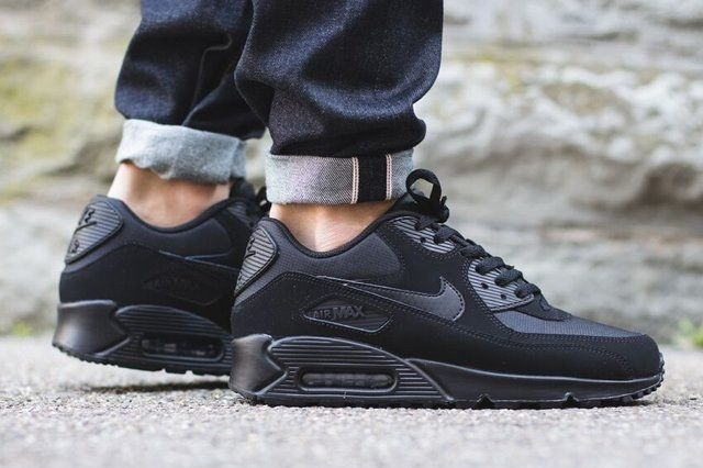 Nike Air Max 90 (Triple Black) - Sneaker Freaker