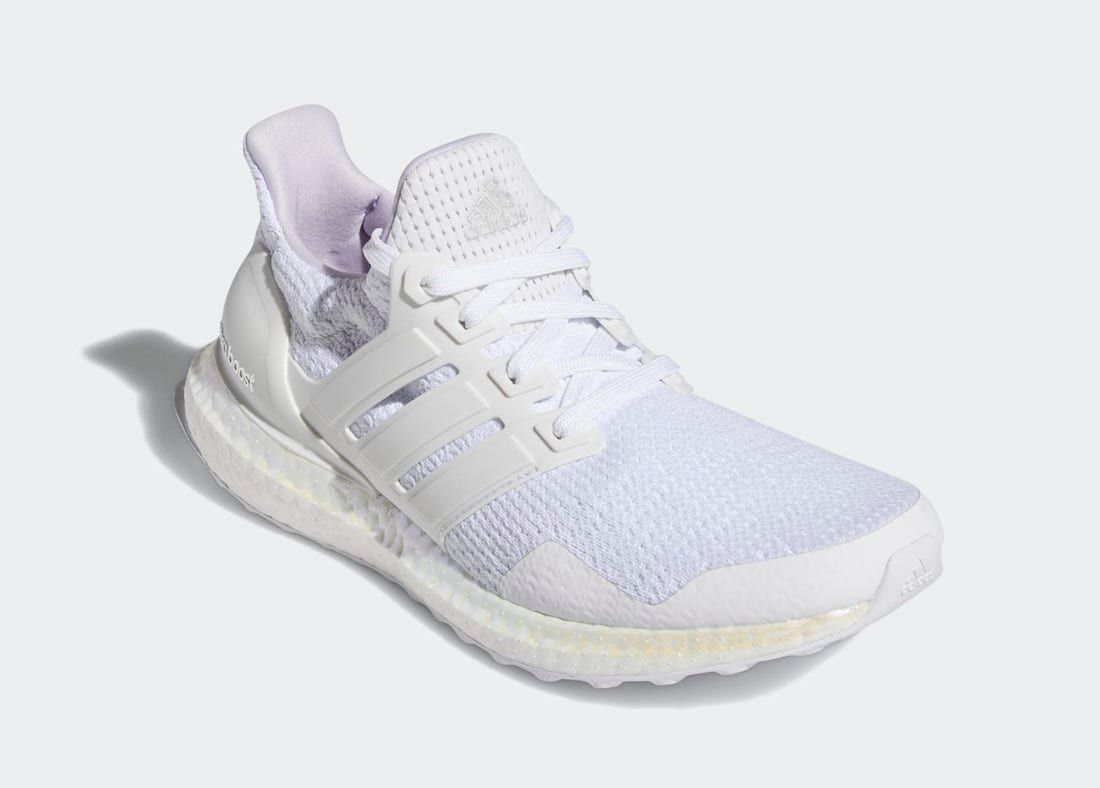 adidas UltraBOOST Aged BOOST Angled